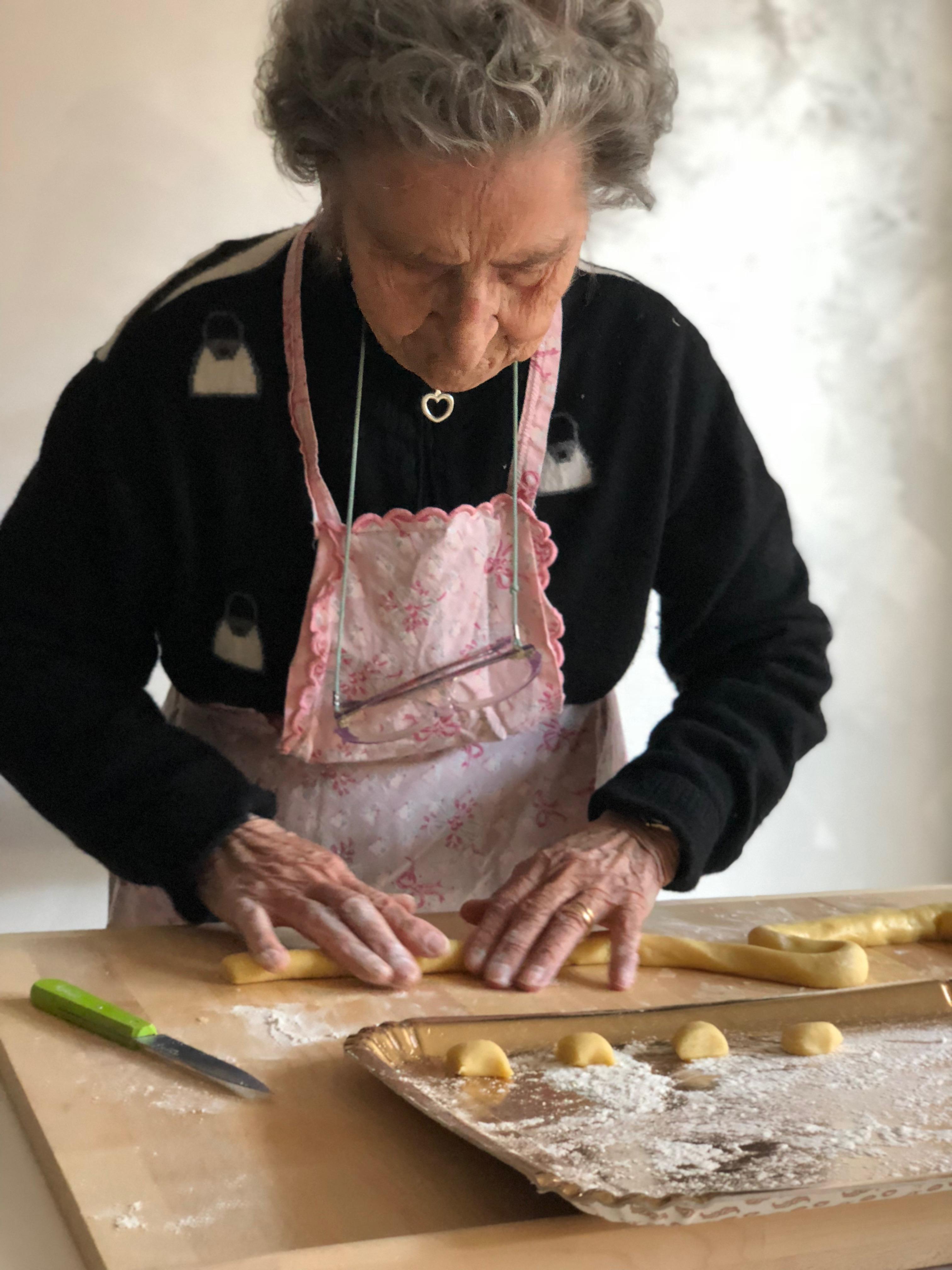 castagnole cooking class con Nonna Cecilia