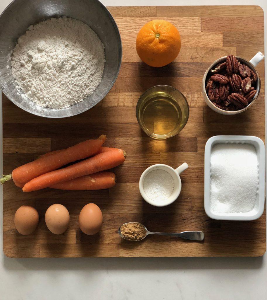 ciambellone alle carote, noci pecan, arancia e zenzero